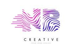 NOTA: N.B. Zebra Lines lettre Logo Design avec des couleurs magenta Images stock