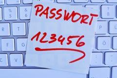 Nota no teclado de computador: senha 123456 Imagem de Stock Royalty Free