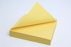 Nota pegajosa amarilla Imagen de archivo