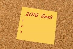 Nota pegajosa amarilla - las metas del Año Nuevo 2016 enumeran Imagen de archivo libre de regalías
