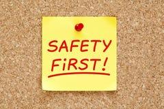 Nota pegajosa da segurança em primeiro lugar Fotos de Stock Royalty Free