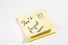 A nota pegajosa não esquece Imagem de Stock Royalty Free
