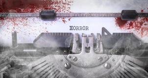 Nota sanguinosa - iscrizione d'annata fatta dalla vecchia macchina da scrivere fotografia stock libera da diritti