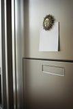 Nota sobre el refrigerador Imagenes de archivo