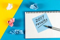 Notaherinnering om een jaarverslag voor te bereiden - de resultaten van 2017 Nieuw jaar 2018 - Tijd om doelstellingen voor volgen Stock Foto's