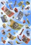Notas australianas que caen Imagenes de archivo