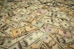 Notas de banco americanas de várias denominações Fotografia de Stock Royalty Free