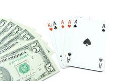 Notas de banco do dólar e cartões do póquer do holdem Foto de Stock Royalty Free