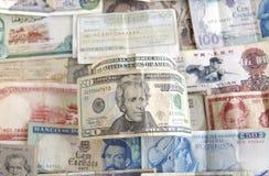 Notas de banco do mundo e dos E.U. Fotos de Stock