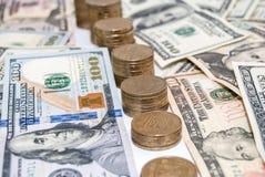 Notas de dólar da moeda dos E.U. como o fundo Imagens de Stock