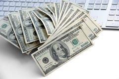 Notas de dólar dos E.U. cem Imagens de Stock