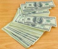 Notas de dólar dos E.U. cem Imagem de Stock Royalty Free