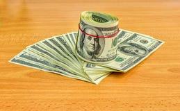 Notas de dólar dos E.U. cem Fotos de Stock Royalty Free
