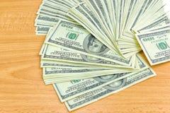 Notas de dólar dos E.U. cem Imagem de Stock