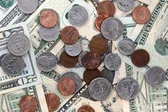 Notas de dólar $20 dos E.U. vinte do Estados Unidos e centavos Imagens de Stock