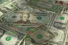 notas de dólar e pena na tabela de madeira e conservada em estoque velha do preço de mercado em ao lado Imagem de Stock