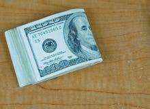 Notas de dólar dos E.U. cem Fotos de Stock