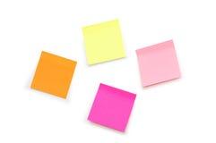 Notas de la nota de la etiqueta engomada aisladas encendido Imagen de archivo libre de regalías
