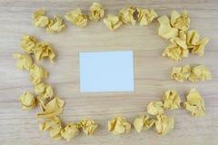 Notas de papel do memorando que motivam citações no papel pegajoso fotografia de stock
