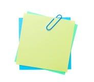 Notas de post-it coloridas com grampo Fotografia de Stock