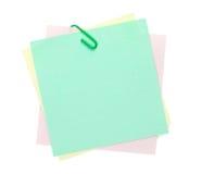 Notas de post-it coloridas com grampo Foto de Stock Royalty Free