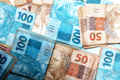Notas de 50 y 100 reais del Brasil Foto de archivo libre de regalías