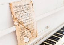 Notas del piano del vintage Imágenes de archivo libres de regalías