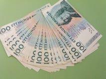 100 notas del SEK de la corona sueca, moneda del SE de Suecia Foto de archivo
