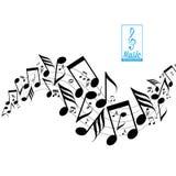 Notas dispersadas desarrumado da música na pauta musical Imagens de Stock