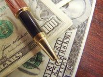 Notas do dinheiro dos E.U. Dolar Imagens de Stock
