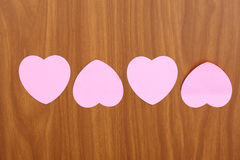Notas do lembrete em formas do coração Fotos de Stock