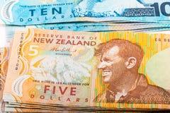 Notas na moeda de Nova Zelândia Fotografia de Stock