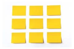 Notas pegajosas amarelas fotos de stock