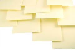 Notas pegajosas amarillas Fotos de archivo libres de regalías