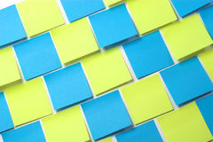Notas pegajosas azuis e amarelas - diagonal Fotos de Stock