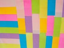 Notas pegajosas coloridas como um fundo Imagem de Stock
