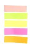 Notas pegajosas coloridas em branco prontas para seu texto. Fotos de Stock Royalty Free