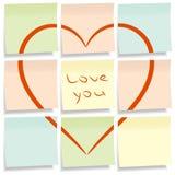 Notas pegajosas con el corazón. Imágenes de archivo libres de regalías