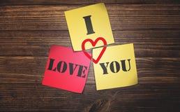 Notas pegajosas do amor Imagens de Stock Royalty Free