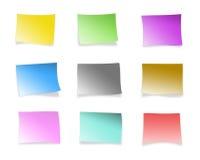 Notas pegajosas multicoloras Foto de archivo