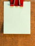 Notas pegajosas no fundo de papel velho Imagem de Stock
