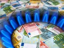 Notas y mechero de gas EURO Fotografía de archivo