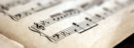 Notation musicale écrite, rétros notes photographie stock