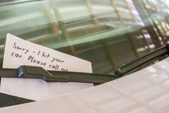 Notatka na samochodzie po wypadku obrazy royalty free