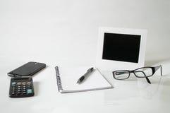 Notatnik, pióro, szkła i rama, Zdjęcie Royalty Free