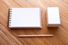Notatnik z wizytówką w pudełku Zdjęcia Stock