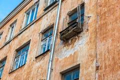 Notbalkon auf der Fassade von Blockebenen Lizenzfreie Stockbilder