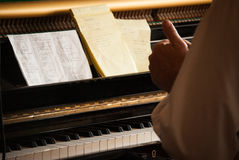 Notblad på piano Royaltyfria Bilder