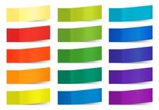 Note appiccicose di vettore isolate su bianco Gli autoadesivi della carta colorata per ricordano l'illustrazione Raccolta di appi illustrazione vettoriale