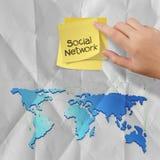 Note collante avec le papier chiffonné en tant que structure de réseau sociale concentrée Images libres de droits